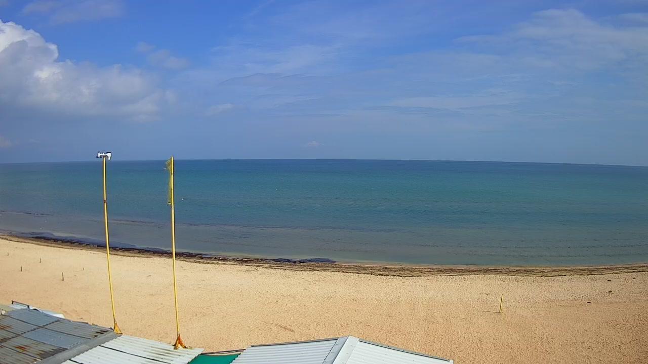Вебкамера №8: Счастливцево, пляж на Арабатской стрелке возле б/о Чайка 2